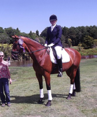 Belladonna MH, with rider Julie Flintoff.